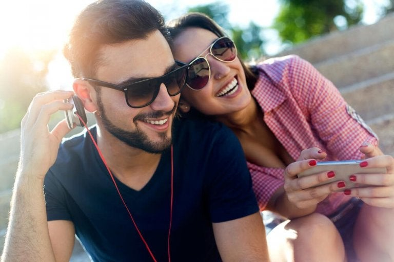 Going Out with Your Friends Benefits Your Emotional Health, and Here's Why