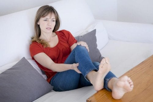 Woman raising her legs - Cure Varicose Veins