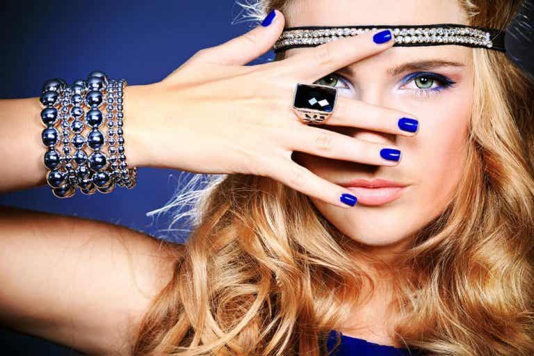 Learn Which Accessories To Wear With Your Outfit