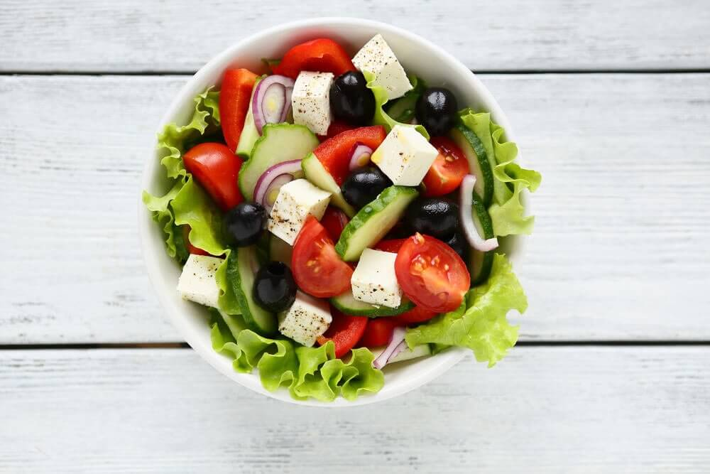 Surprise your guests with a delicious Greek salad
