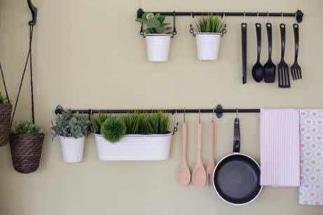4 Cheap Ways to Make a Kitchen Unit