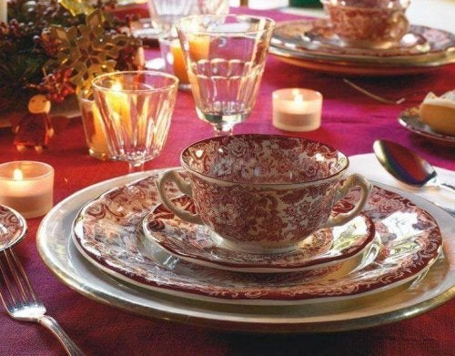 decorative dinnerware set