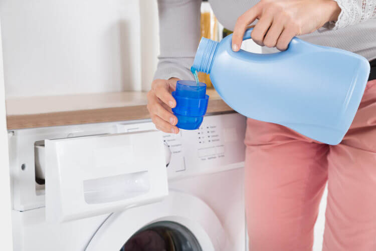 How To Make Toxin-Free Fabric Softener