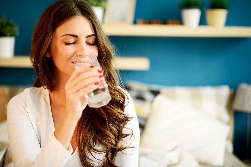 5 überraschende Vorteile von Trinkwasser