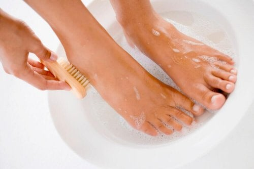 Uses for Vaseline to keep feet smooth
