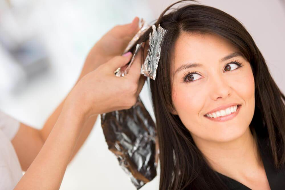 5 Homemade Solutions to Remove Hair Dye