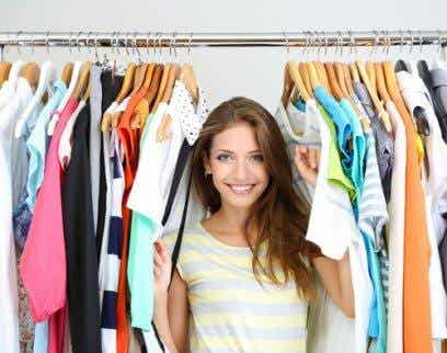 4 Ideas to Make Your Old Clothes Look Brand New