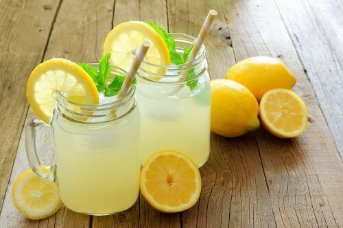 Lemon and Flaxseed Water: Does it Help with Weight Loss?