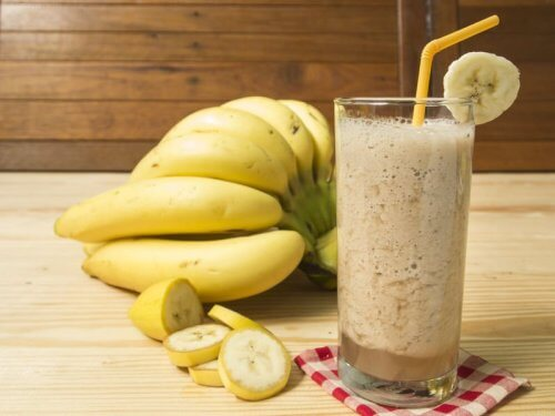 Oat Milk and Banana Smoothie
