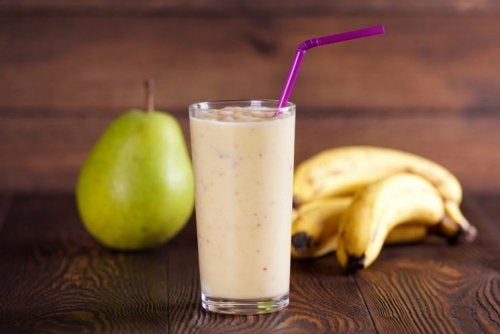 Oat Milk and Pear Smoothie
