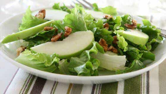 Delicious Green Apple and Celery Salad