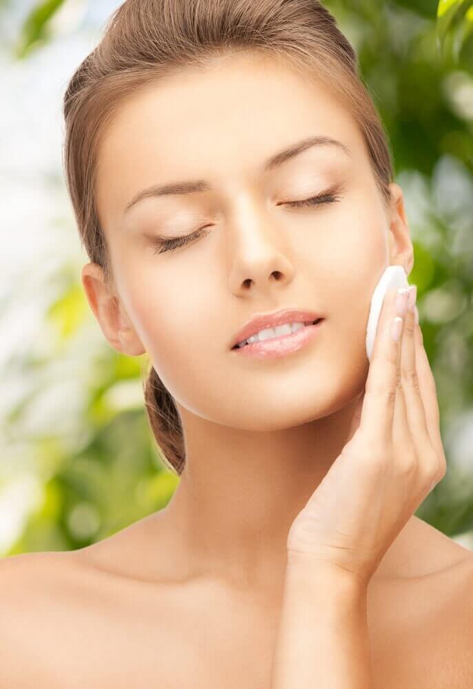 Natural Toners for Beautiful Glowing Skin