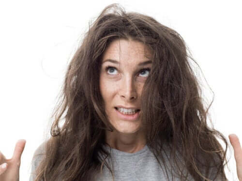7 Homemade Treatments to Combat Frizz