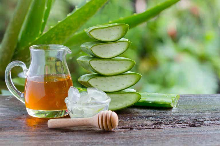 Aloe Vera Remedy With Honey For Stomach Problems