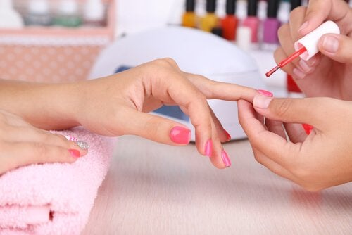 What Your Nails Say About Your Personality