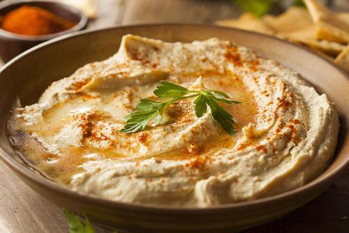 How to Make Light Chickpea Hummus