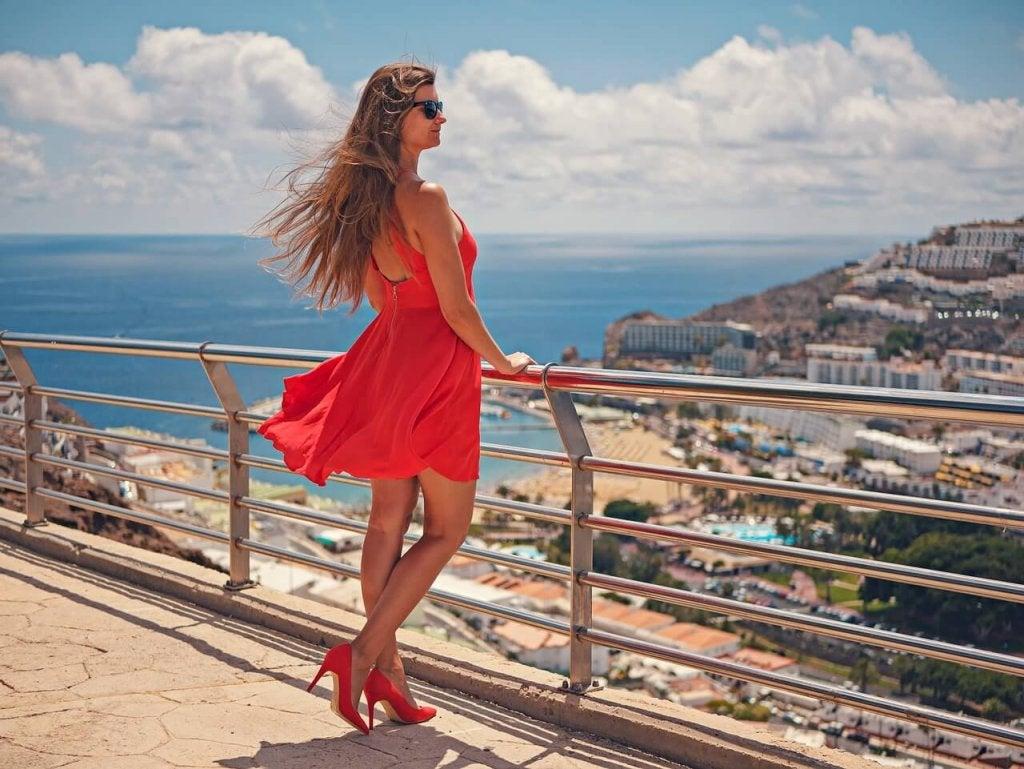 10 Tricks for Wearing Heels