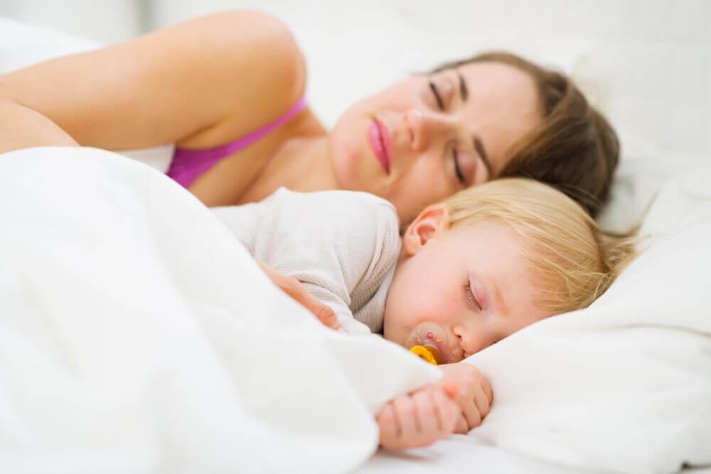 How to Teach a Baby to Sleep through the Night
