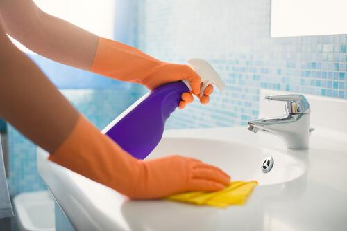 Cleaning tricks that you should know to keep the bathroom clean.
