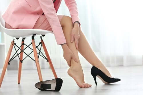 Swollen Legs: 5 Home Remedies to Alleviate Them
