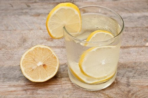 Water with lemon slices.