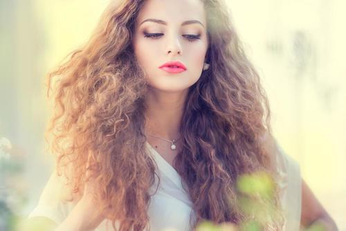 5 Hair Masks to Prevent Frizz
