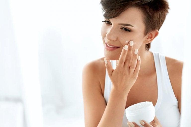 Should You Use Sunscreen as a Moisturizer?