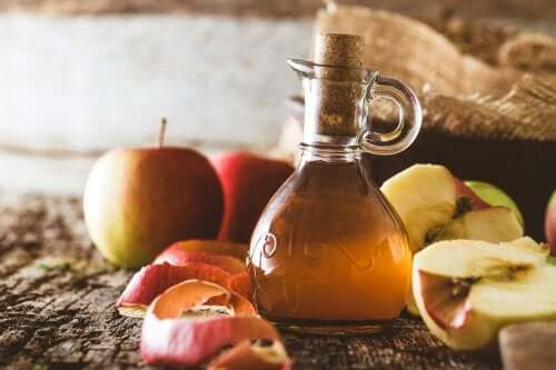 Seven Slimming Properties of Apple Cider Vinegar