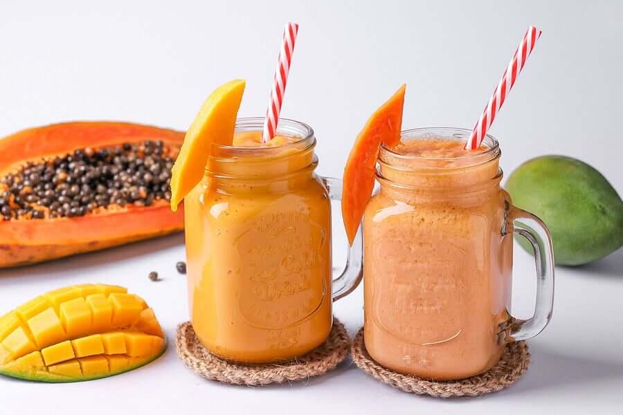 Banana and papaya smoothies.
