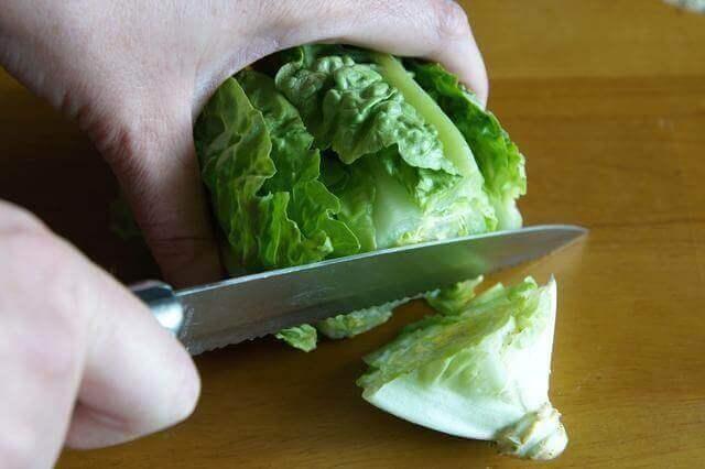 Cutting lettuce for lettuce wraps