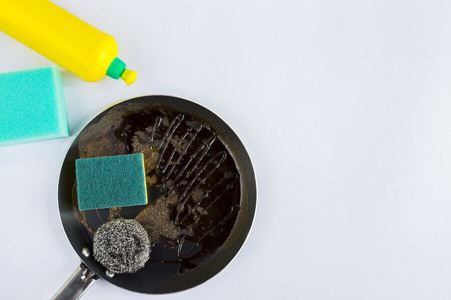 Four Quick Tricks to Clean Pots and Pans