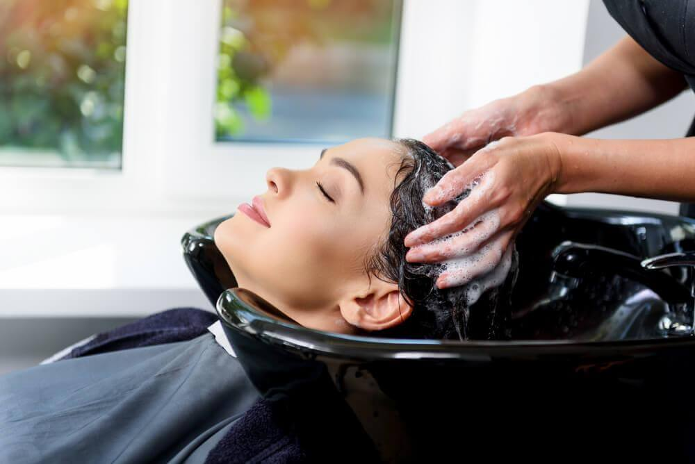 The Benefits of Going to a Beauty Salon