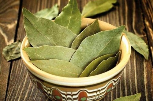 How to Use Bay Leaves to Treat Diabetes