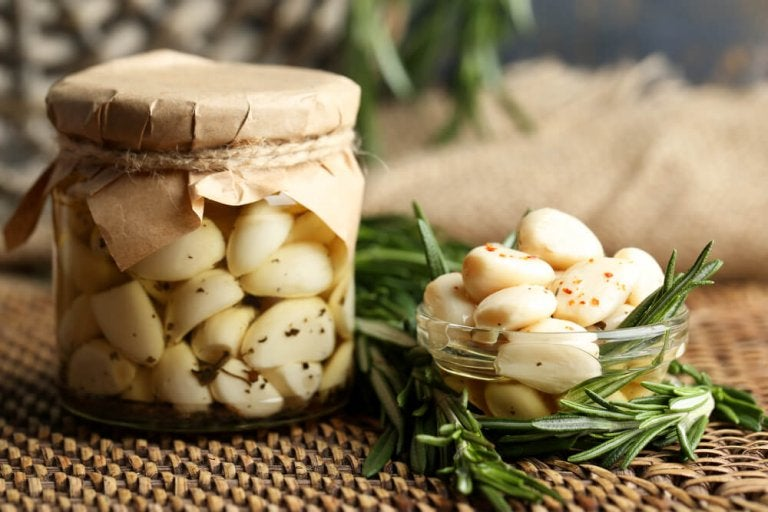 The Benefits of Garlic Oil for Your Health