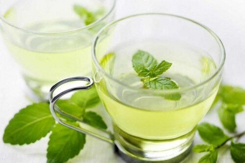 Relieve bad breath using mint.