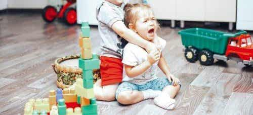 How to Control Fights Between Children