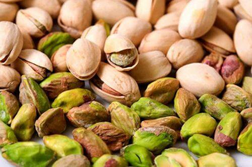 Pistachios to fight anemia.