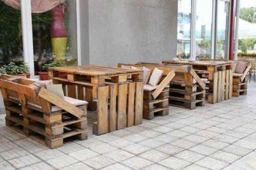 Eight Ingenious Recycled Furniture Ideas