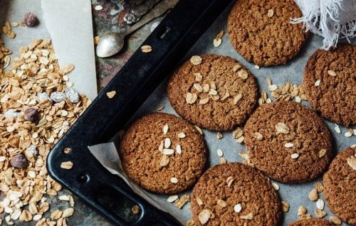 Soft unleavened oatmeal cookies.
