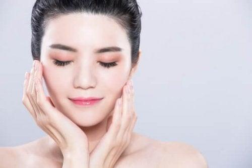 How to Get Long and Abundant Eyelashes