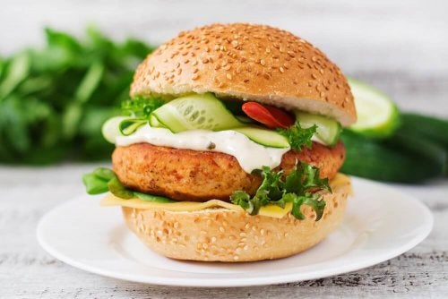 Try This Chicken Burger that's High in Protein Content