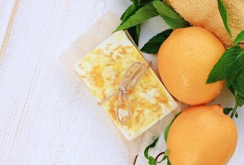 Glycerin soaps with oranges.