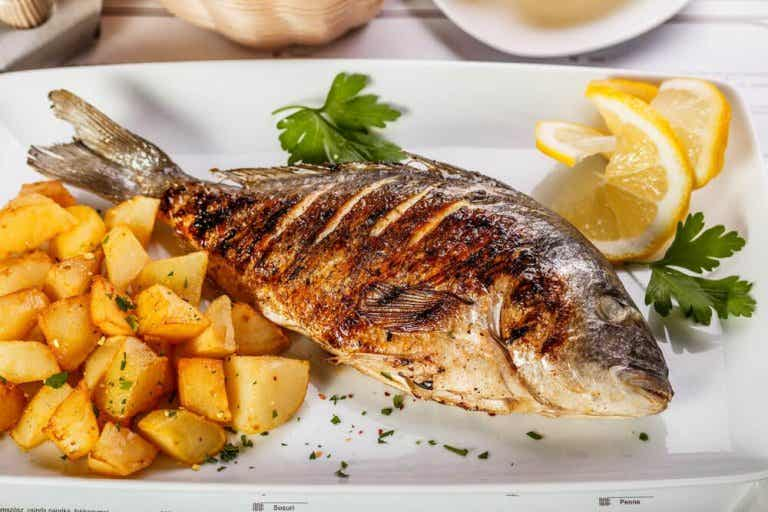 Delicious Baked Sea Bass with Potatoes and Onion