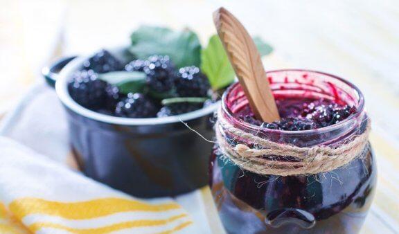 Three Recipes for Sugar-Free Homemade Jelly