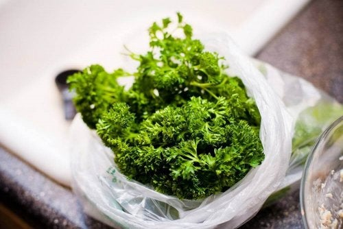 A bag of parsley.