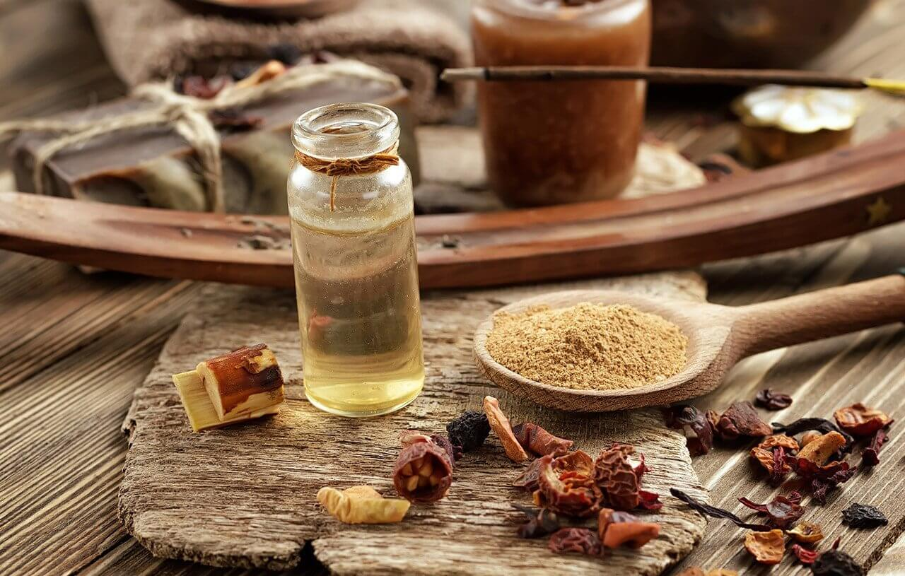 Frankincense essential oil has anti-inflammatory and calming properties.