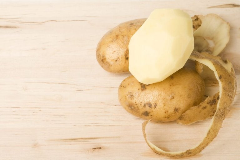 Four Remedies with Potato Peels You Must Try
