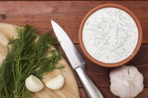 Homemade Tartar and Garlic Sauces Recipes