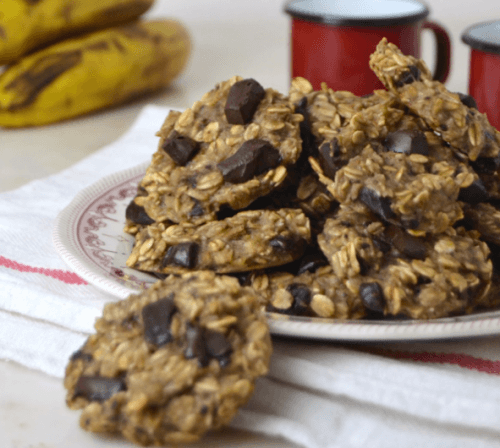 Banana-chocolate oatmeal cookies.