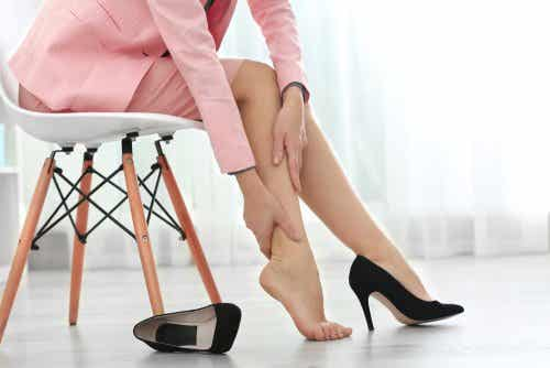 Swollen Legs: 8 Tips for Faster Relief